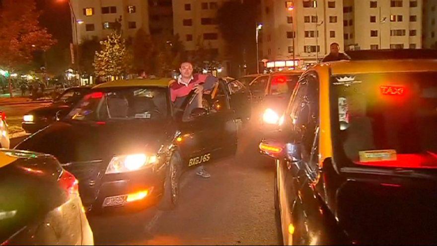 Los taxistas chilenos en pie de guerra contra Uber