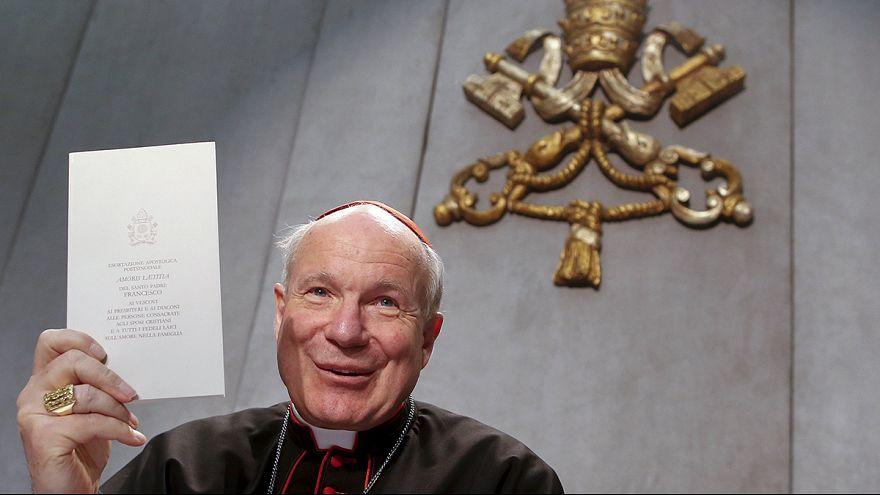 """Papa Francesco: """"sì a comunione per i divorziati risposati, no alle nozze gay"""""""