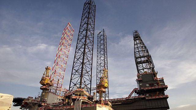 Нефть дорожает в надежде на рост потребления