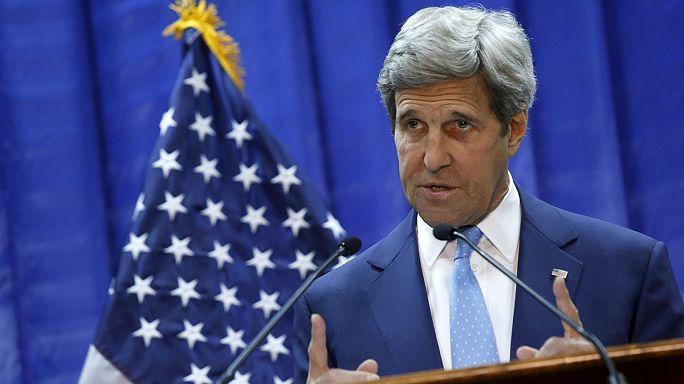 """Керри в Багдаде: международная коалиция во главе с США """"усилит давление"""" на ИГ"""