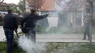 Lacrimogeni all'insediamento di Thaci alla Presidenza del Kosovo
