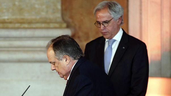 Távozik a pofonnal fenyegetőző portugál miniszter