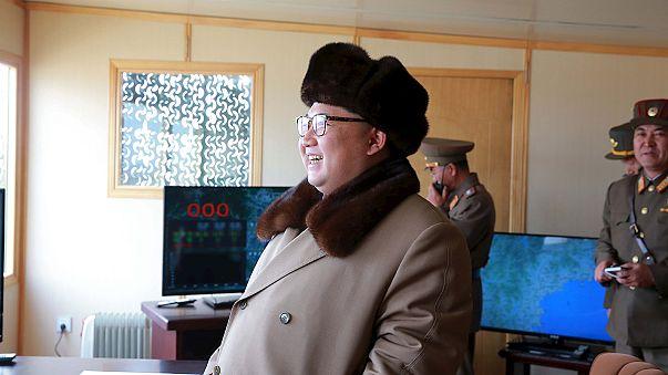 Interkontinentális ballisztikus rakétát tesztelt Kim Dzsong Un