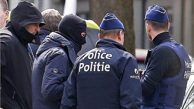 Реакция жителей и гостей Брюсселя на аресты подозреваемых в терактах