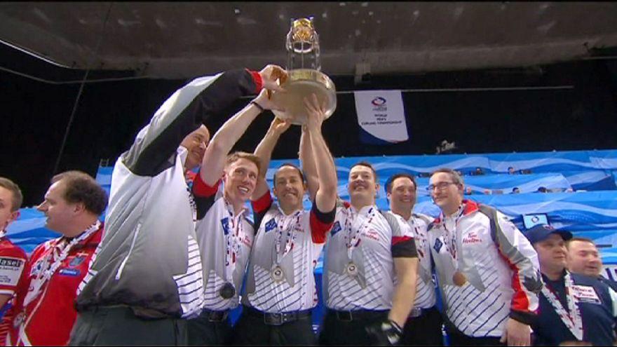 Канадцы стали чемпионами мира по керлингу
