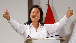 Перу: Кейко Фухимори лидирует на выборах президента, но впереди - второй тур