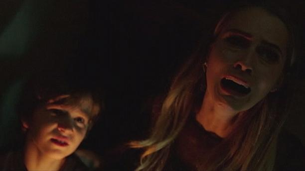 """""""Lights Out"""" hopes to scare you to death"""
