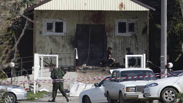 Suicide bombers target police in Russia