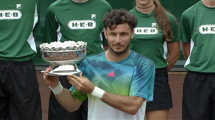 Houston'da kupayı Juan Monaco kaldırdı