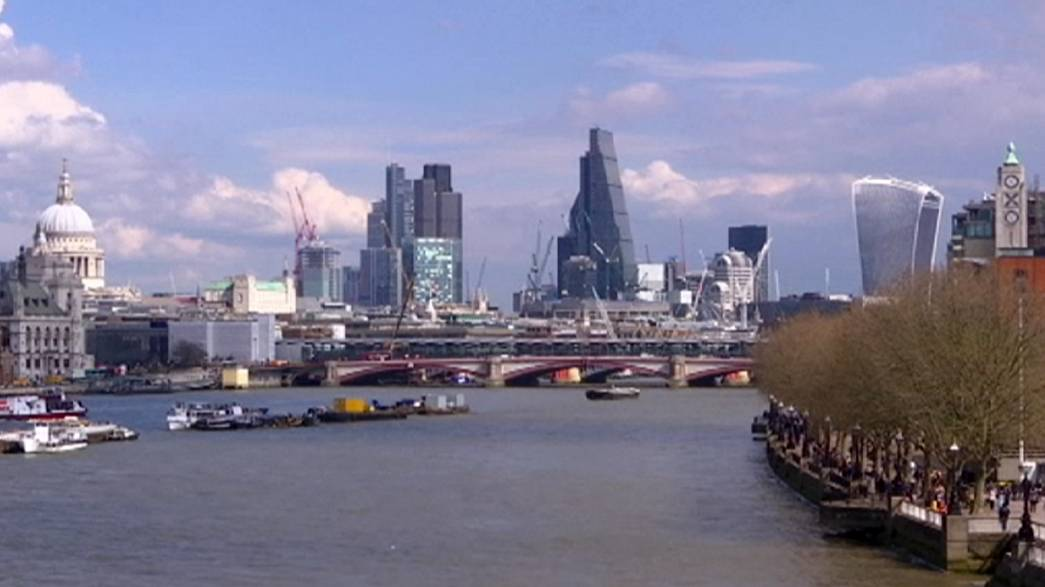 Nuovi segnali negativi dall'economia britannica. 2016 da dimenticare