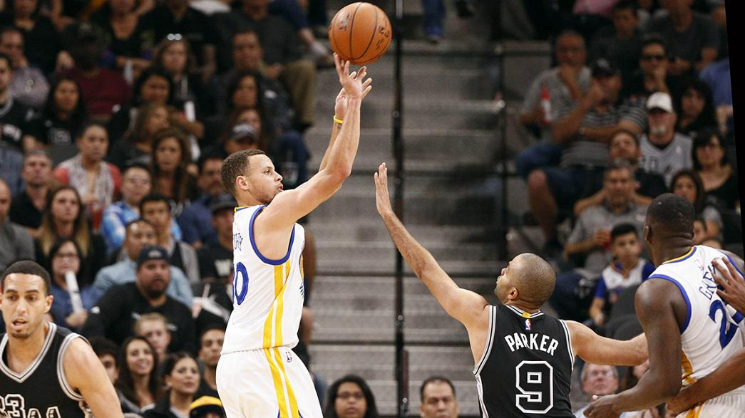 Warriors tie the NBA record for wins in a season
