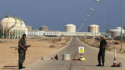 Staff evacuated from Libyan oil fields over security threat