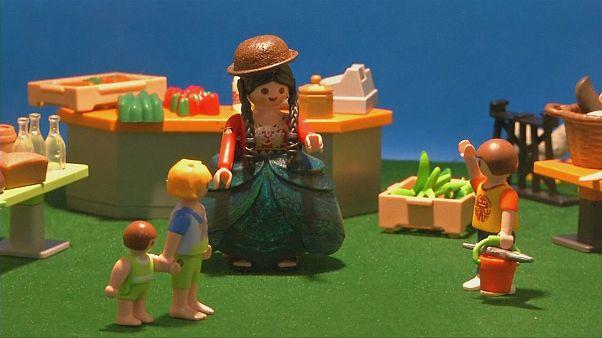 La cholita de Playmobil triunfa en La Paz