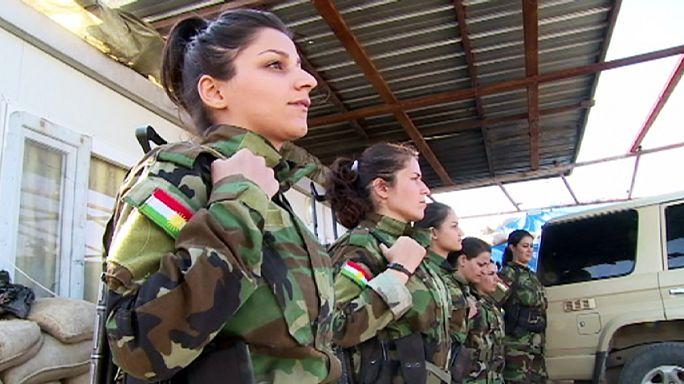 Egy lány a kurd hadseregből