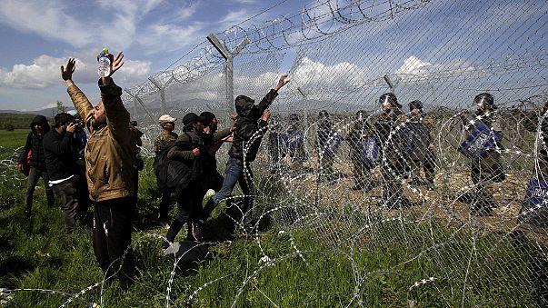 Flüchtlingsfrust in Griechenland: Tsipras kritisiert mazedonischen Grenzer-Einsatz bei Idomeni