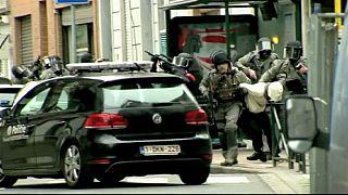 Bruxelas: Quebra-cabeças dos atentados terroristas começa a clarificar-se