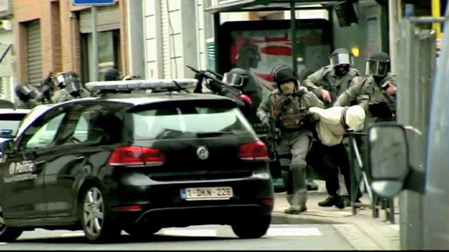 استمرار البحث و التحرّي عن الإرهابيين في بلجيكا.