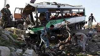Afeganistão: Dois atentados matam mais de uma dezena de pessoas