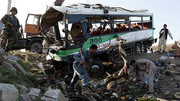 Afghanistan: 14 Tote bei Bombenanschlägen auf Regierungsbusse