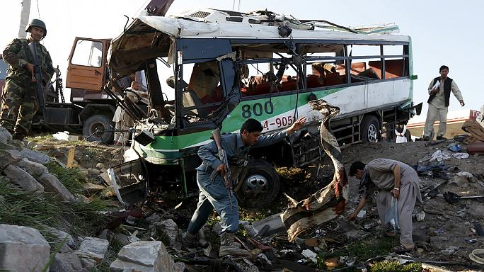 Két autóbuszt robbantottak fel Afganisztánban