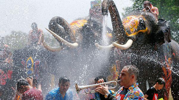 آب بازی در جشن سال نوی تایلند