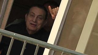 "Mubarak opts to repay ""stolen"" money for his freedom"
