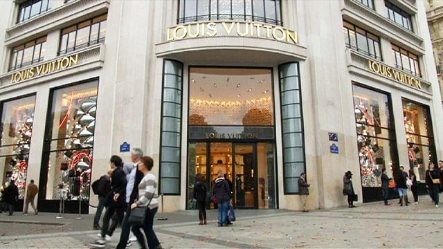 Fransız lüks ürün zinciri LVMH'ın satışları ilk çeyrekte geriledi