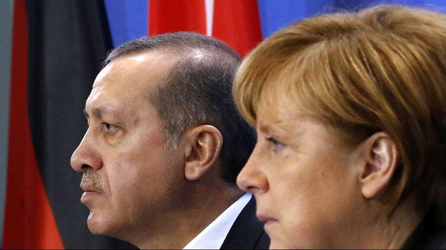 """Эрдоган """"оскорбился"""" стихотворением и пожаловался в прокуратуру ФРГ"""