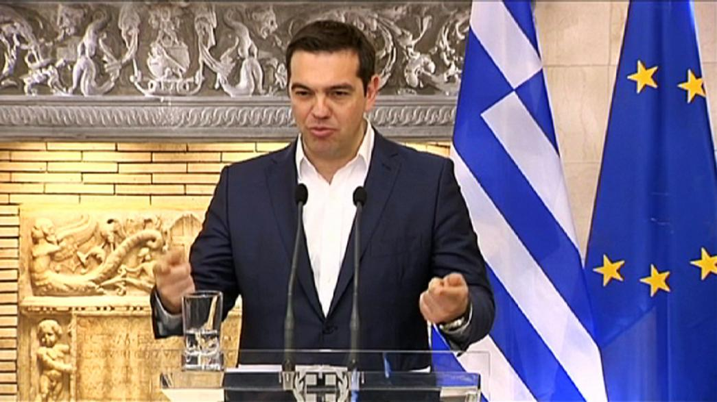 Greece and international lenders suspend bailout review talks as splits remain