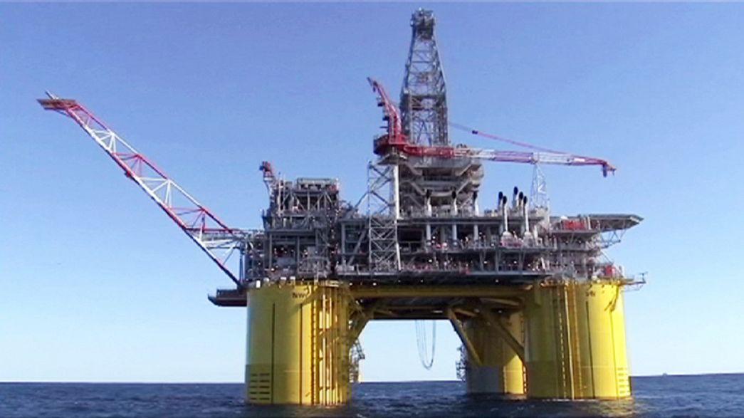 Itália vota em referendo concessões marítimas de petróleo e gás