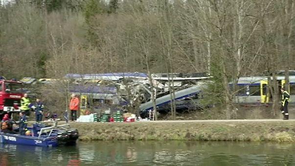 Alemanha: Jogo de telemóvel na origem de acidente ferroviário em Bad Aibling