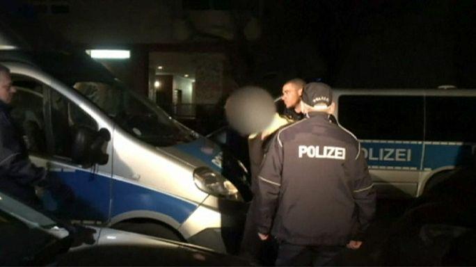 Bűnözőkből álló családok hálózatát deríti fel a német rendőrség
