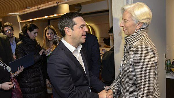 Προσχέδιο ΔΝΤ: Αναγκαία η ελάφρυνση του ελληνικού χρέους