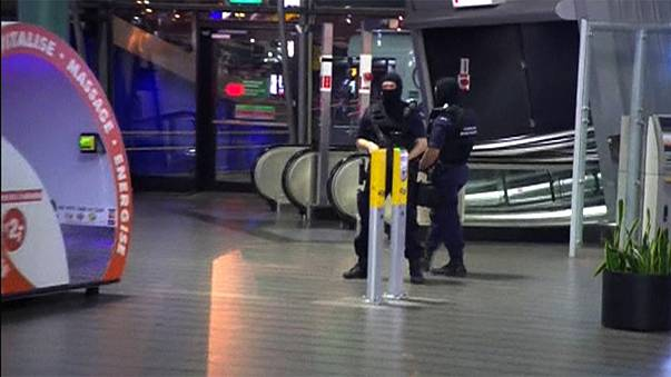 Amsterdam's Schiphol Airport closed overnight after security scare