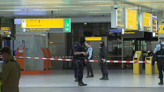 Hollanda'da Schiphol Havalimanı'nda terör alarmı
