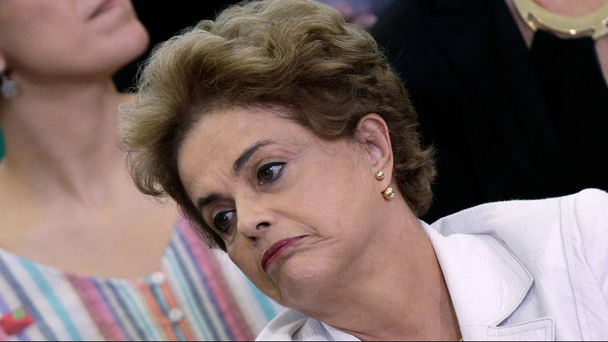 """Brésil: Dilma Rousseff dénonce un """"coup d'État"""""""
