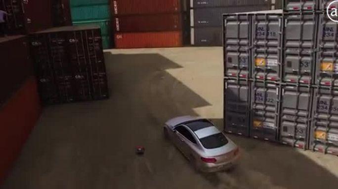 Parkour vs RC Car vs C-Class Coupe (Mercedes-Benz)
