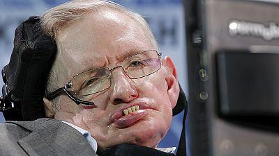 Stephen Hawking planea enviar nanosondas espaciales a las estrellas