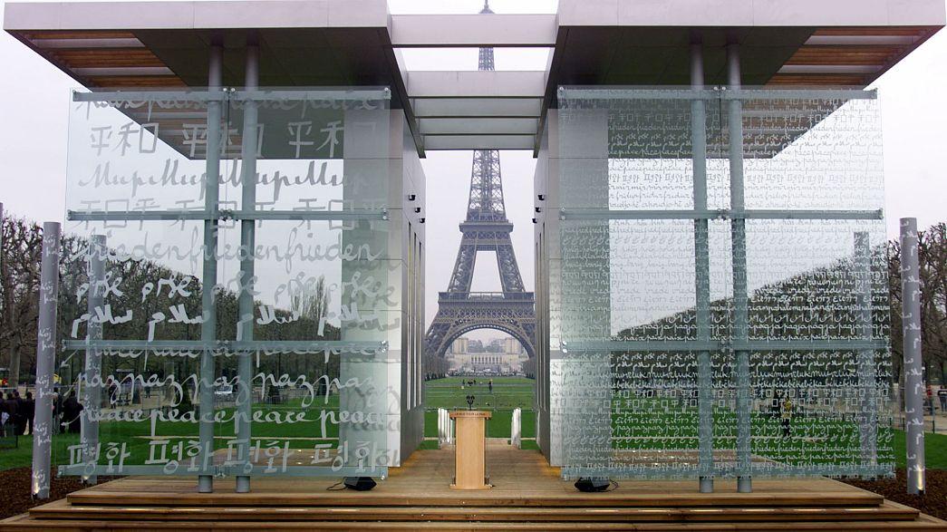 Le grand public appelé à sauver le Mur de la Paix à Paris