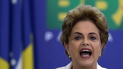 Brasil: Parlamento dita destino de Dilma este domingo