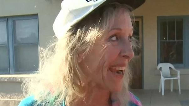 انقاذ امرأة في العقد الثامن من عمرها في صحراء اريزونا