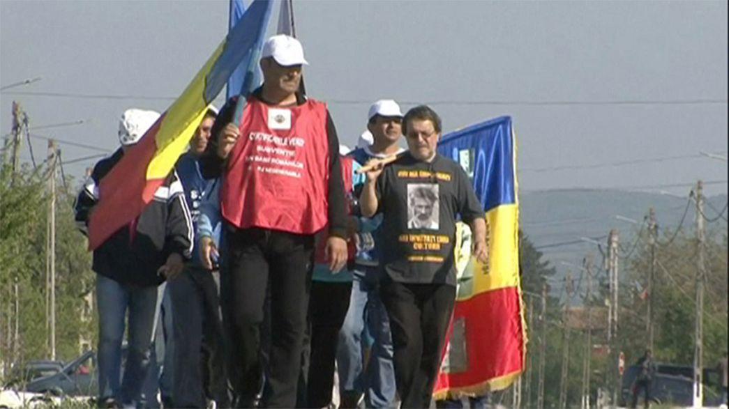 Romanya'da madenciler başkentte yürüyor