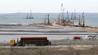Reuters: железнодорожный Керченский мост задержится на год