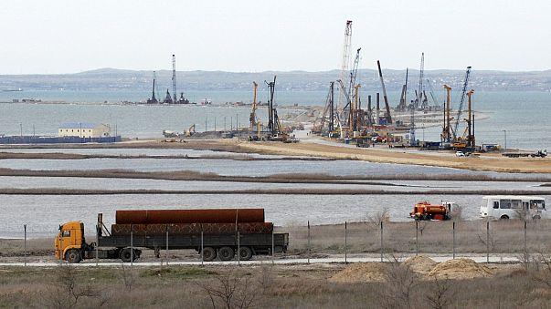 Russie: la livraison du pont de Crimée retardée d'un an