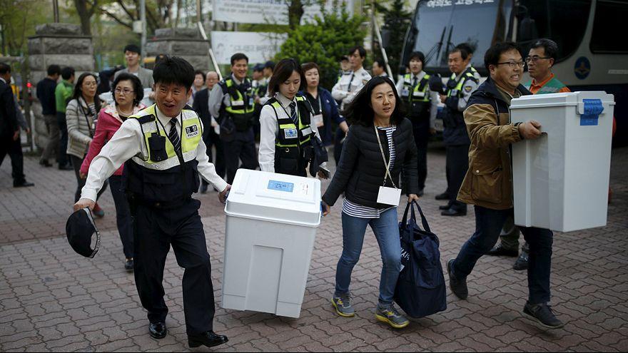"""كوريا الجنوبية: هزيمة ساحقة ل""""حزب ساينوري المحافظ"""" الذي تقوده الرئيسة الكورية"""