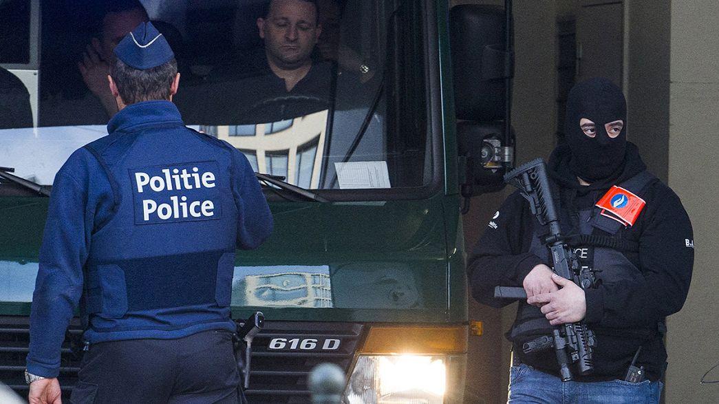 Brüssel: Terrorverdächtige vor Gericht - Abdeslam hatte Atomunterlagen