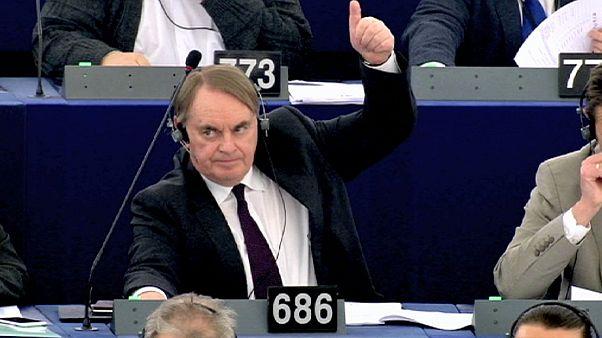 Европарламент одобрил поимённый учёт авиапассажиров