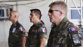 France: hommage national pour les soldats tués au Mali