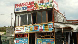 Les Sud-Africains se tournent vers les magasins spaza