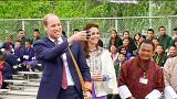 William et Kate font du tir à l'arc au Bhoutan